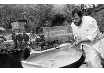 """Cooking Show : Chef Angelo Torcigliani  del ristorante Il Merlo - Camaiore con il suo piatto:Risotto al Vermentino Cavagino Bosoni e Beurre Blanc. In Accompagnamento il vino """"Cavagino""""  dell'azienda vitivinicola Ca' Lunae"""